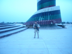 SSG Davis at the Tomb of the Unknown Soldier in Baghdad